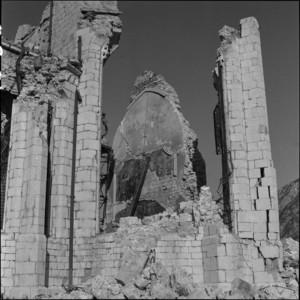 MEMORIE_08_Duomo_Venzone_nov_1976